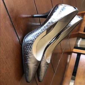 Michael Kors pewter heels size 9